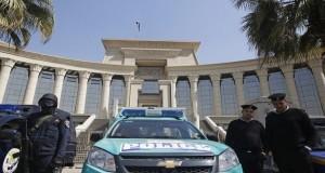 مصر تبدأ محاكمة 237 ناشطا اعتقلوا في احتجاج على اتفاقية مع السعودية