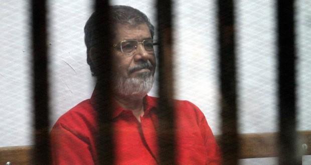 محكمة مصرية تلغي إعدام مرسي ومرشد الإخوان في قضية السجون