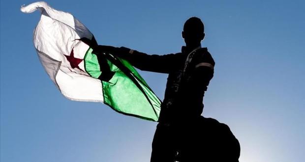 """السلم الاجتماعي بين دولة الرفاه ودولة الريع النفطي """"إشارة لحالة الجزائر"""""""