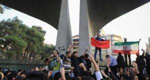 """لماذا تحفّظ الإعلام العربي الرسمي و""""ضبط النفس"""" الأوربي حول المظاهرات في إيران ؟"""